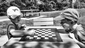 Schach für Kreativität, Schach draußen, Schach im Garten